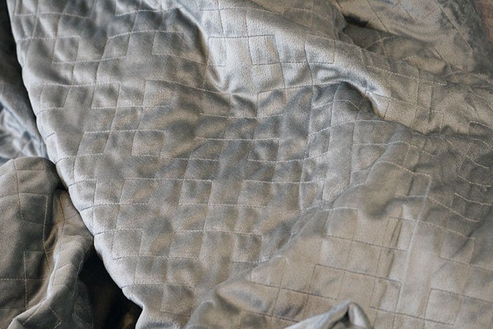 close up of the Gravity weighted blanket